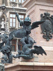 Putti Colonna della Madonna Monaco di Baviera GetCOO foto drago