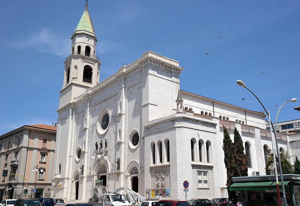 Pescara_-_Cattedrale_di_San_Cetteo_GetCOO