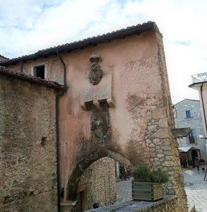 Porta Urbica 1 Santo Stefano di Sessanio GetCOO