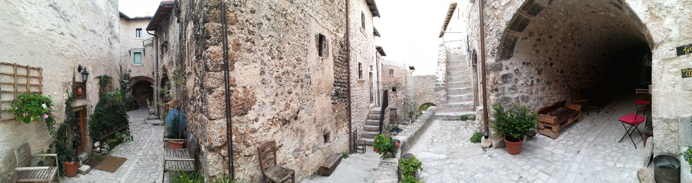 Santo Stefano di Sessanio panoramica GetCOO