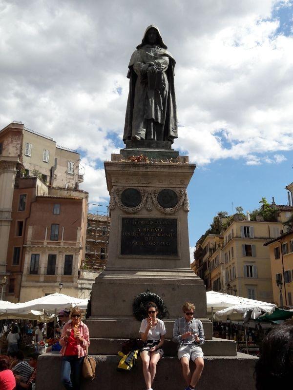 Monumento a Giordano Bruno ROma GetCOO settembre