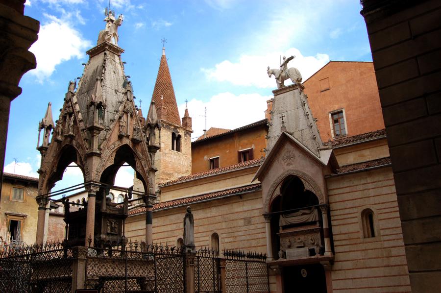 Panorama_Arche_Scaligere e Santa Maria Antica gita a Verona GetCOO