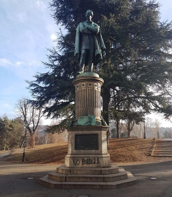 Statua di Massimo D'Azeglio Torino parco valentino GetCOO dicembre