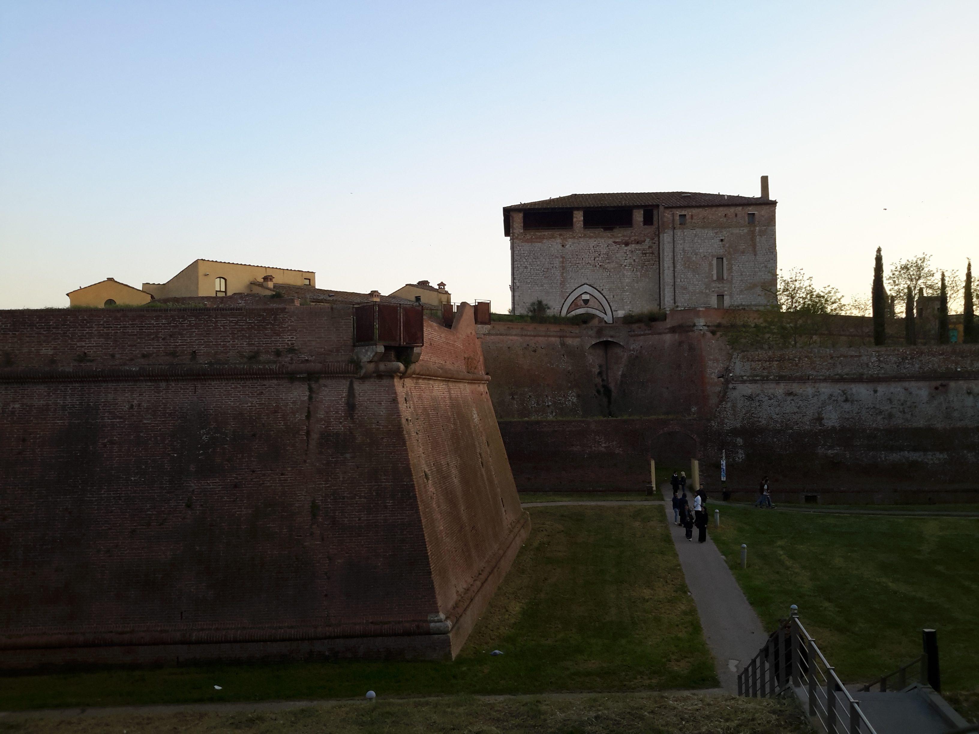 Mura Medicee e Cassero Senese Grosseto GetCOO travel