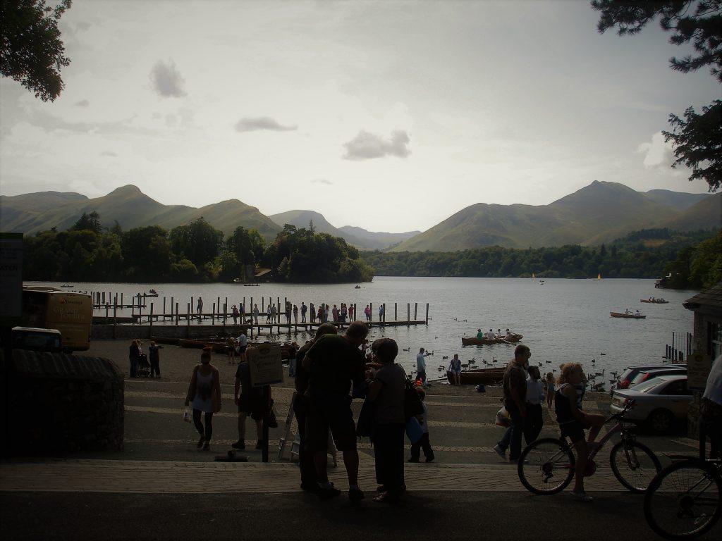 Cosa vedere nel Lake District attracco delle battelli nel lago GetCOO travel