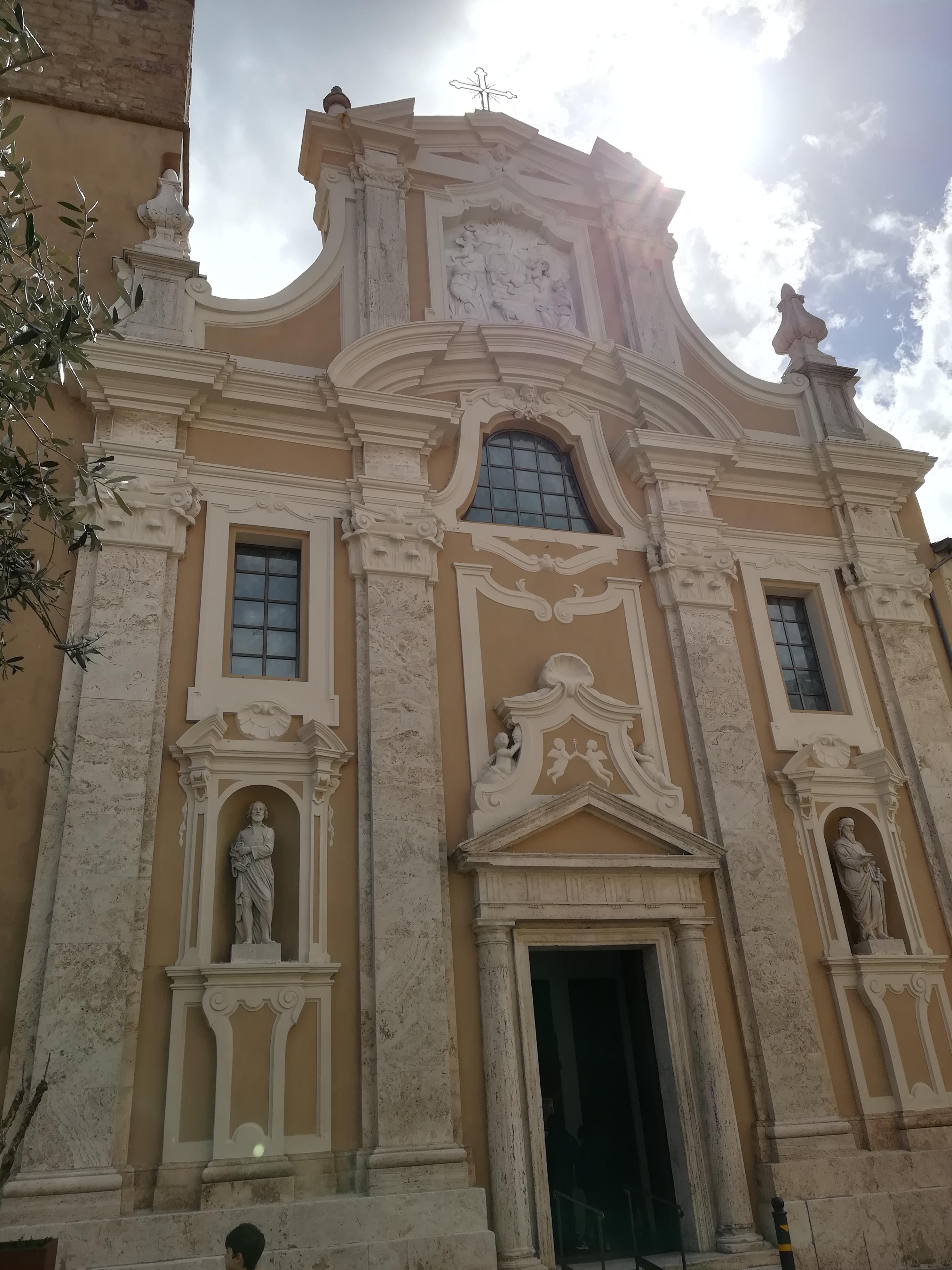 Cattedrale dei Santi Pietro e Paolo Pitigliano cosa vedere GetCOO Travel