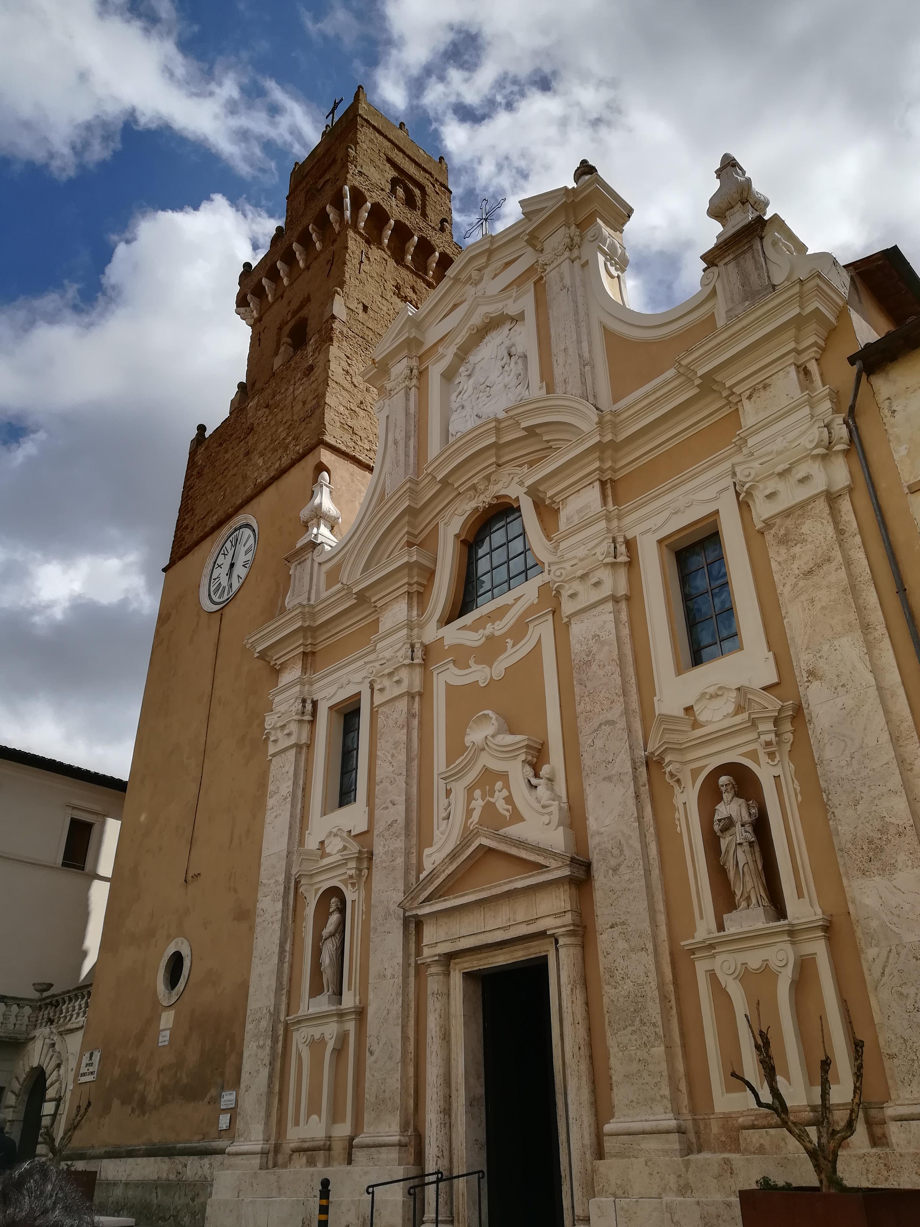 cattedrale dei santi pietro e paolo e campanile a pitigliano cosa vedere GetCOO travel