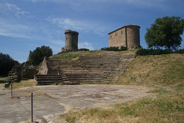 Elea-velia-akropolis-theater cilento