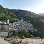 Vista del borgo cosa vedere a Pacentro in un giorno GetCOO Travel