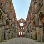 Interno dell'abbazia di San Galgano cosa vedere a san Galgano GetCOO Travel Blog