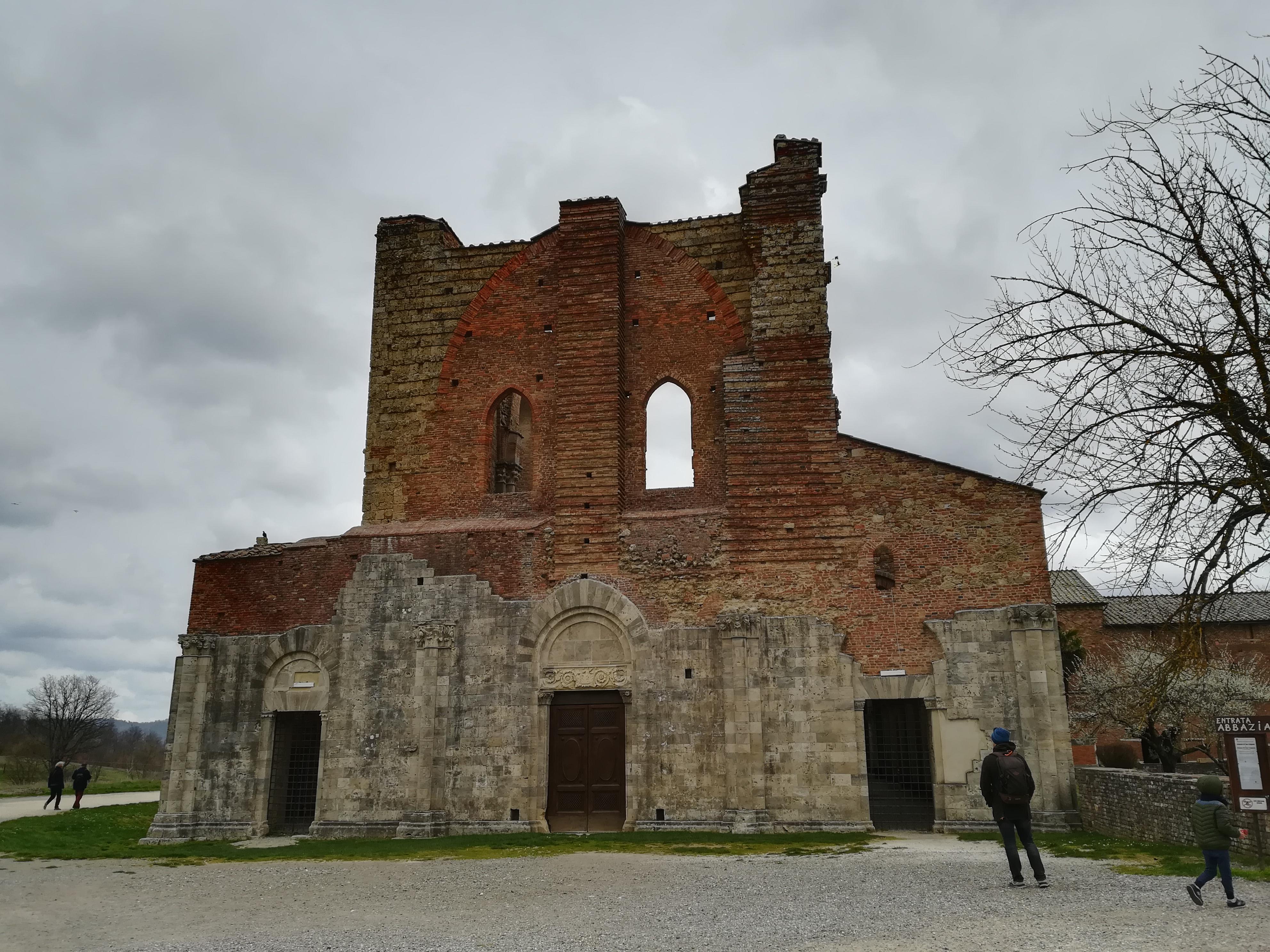 Abbazia di San Galgano cosa vedere a San Galgano GetCOO Travel blog