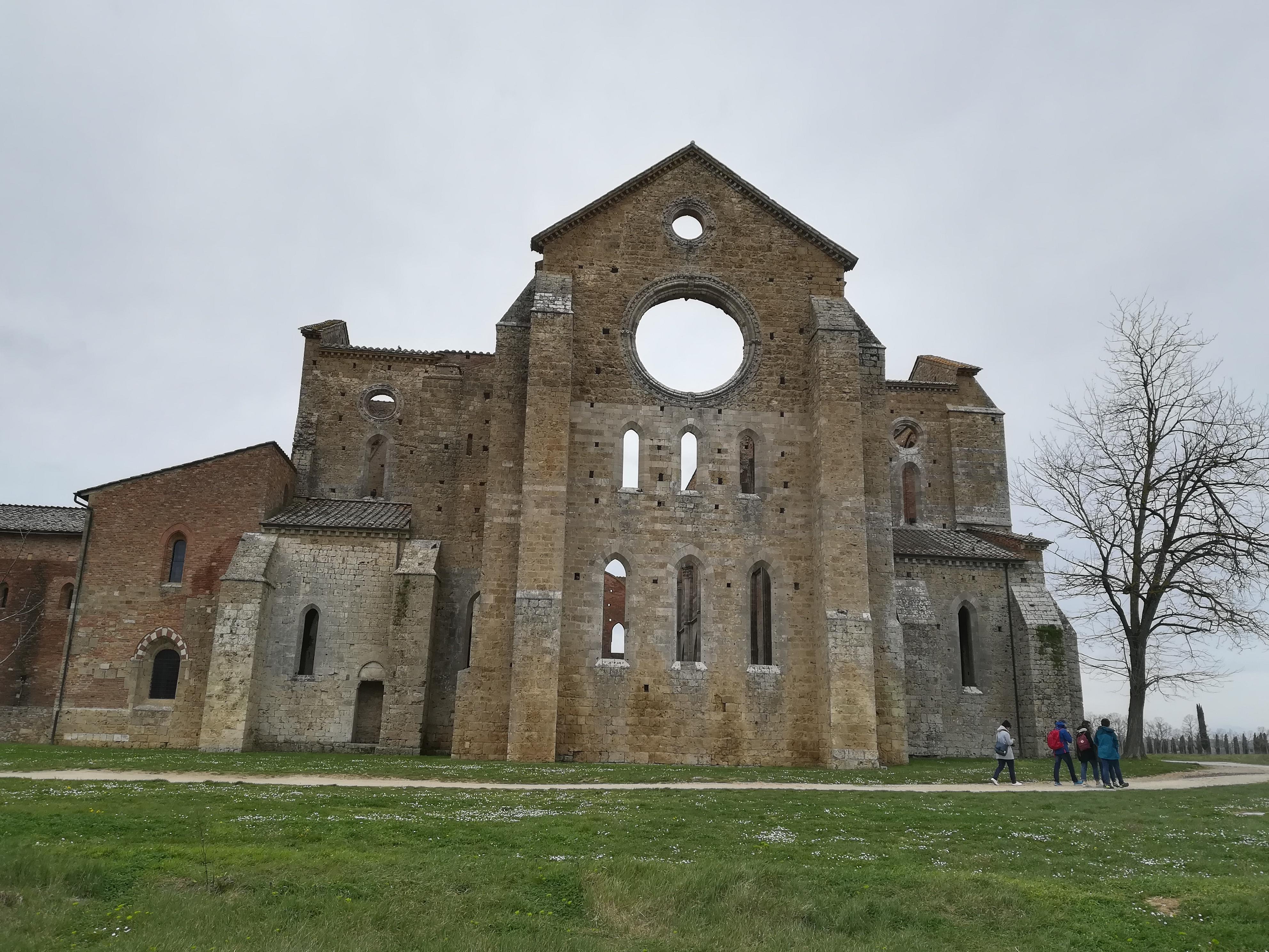 Abside esterno abbazia san Galgano cosa vedere a san Galgano GetCOO Travel blog