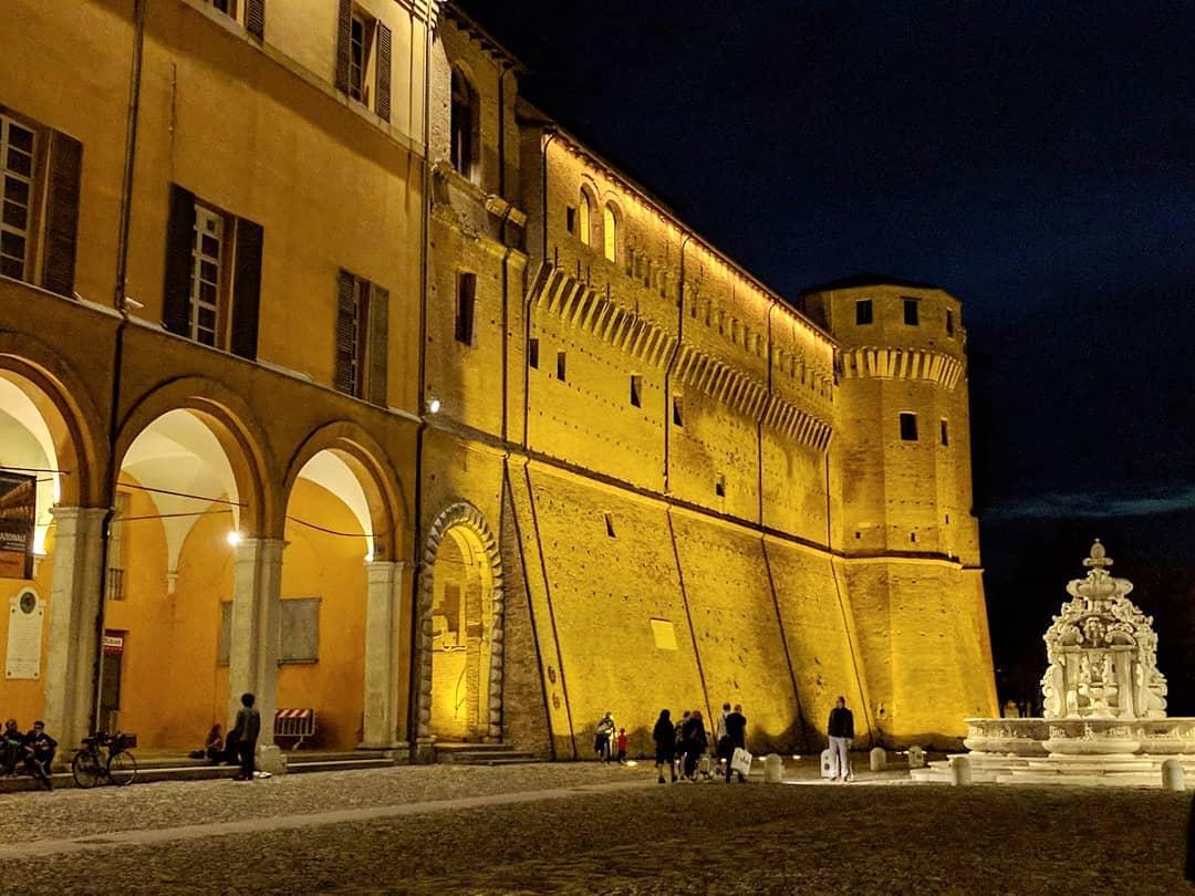 Cesena Piazza del popolo cosa vedere a Cesena in un giorno GetCOO Travel blog