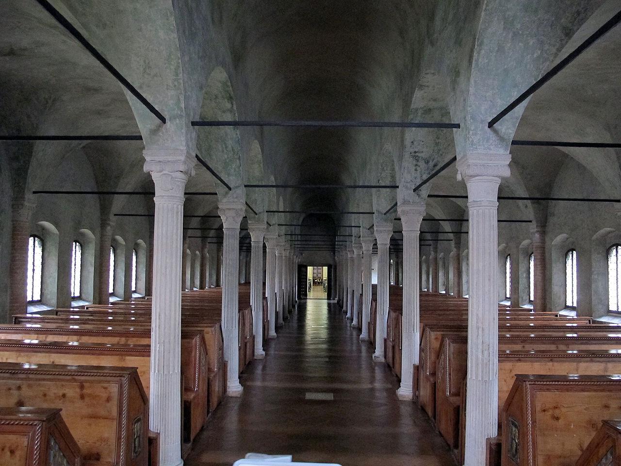 Biblioteca_malatestiana,_sala nuti cosa vedere a cesena in un giorno getcoo travel blog