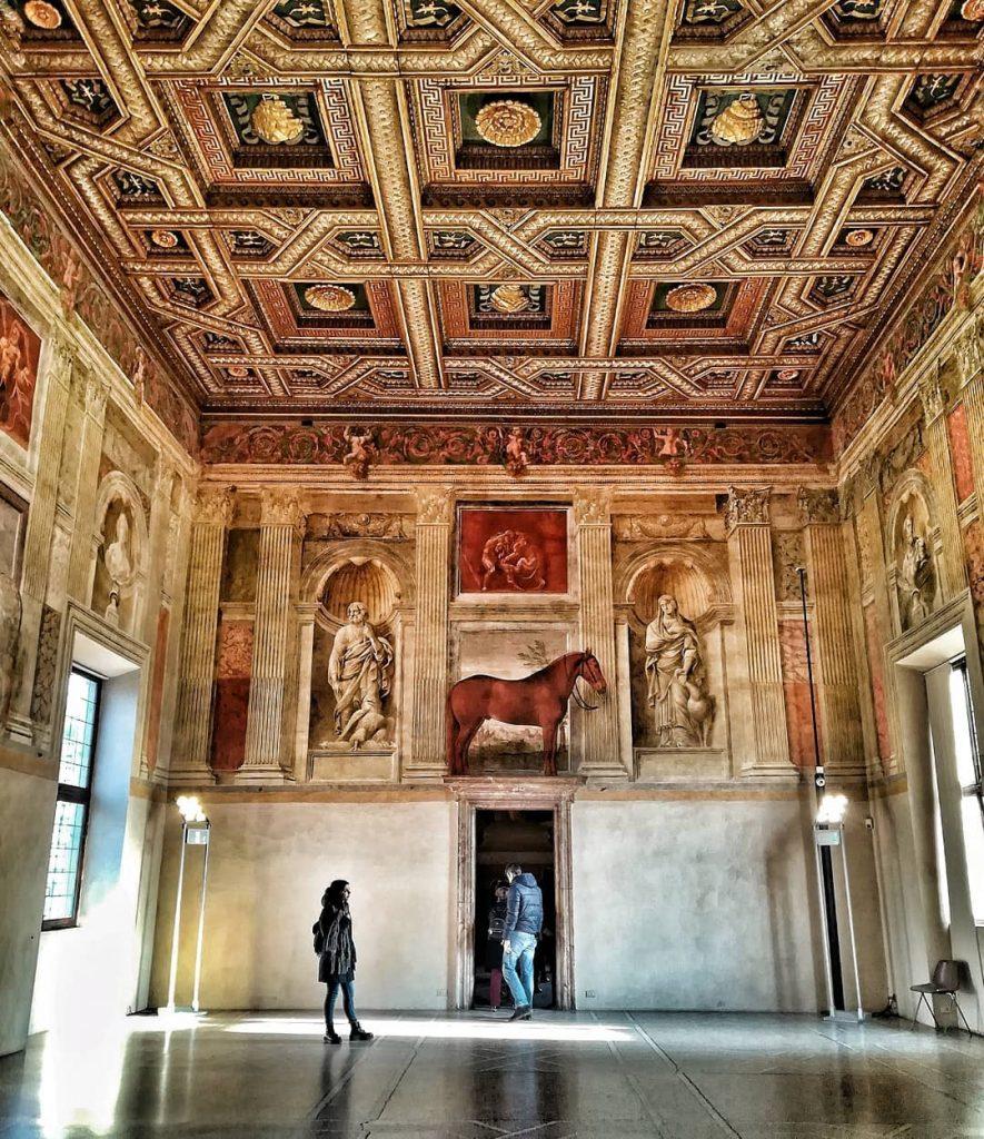 Sala dei Cavalli a Palazzo Te cosa vedere a Mantova