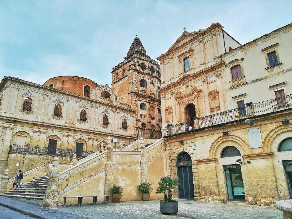 Cosa vedere a Noto: monastero benedettino e chiesa s. francesco all'immacolata