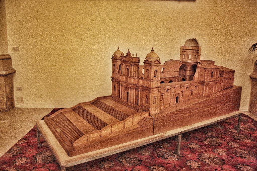 Cosa vedere a Noto: modellino cattedrale crollata