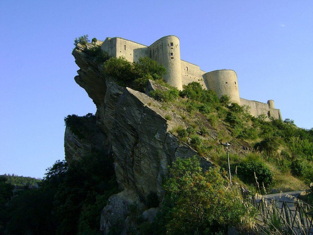 Trekking a cavallo: Castello Roccascalegna