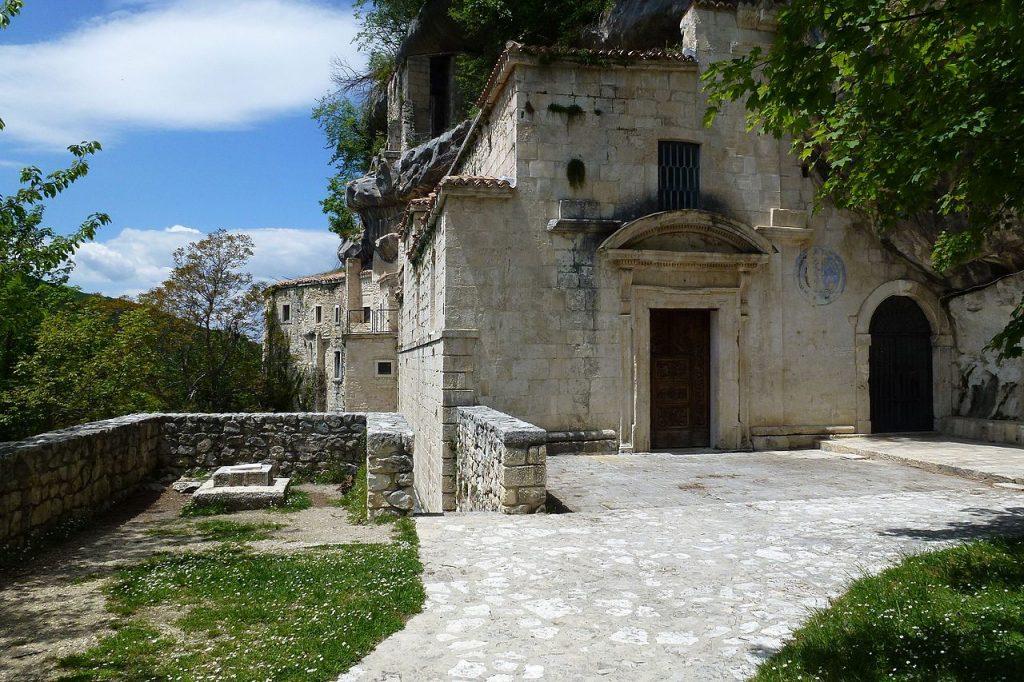 Trekking a cavallo: Chiesa di S. Spirito a Maella