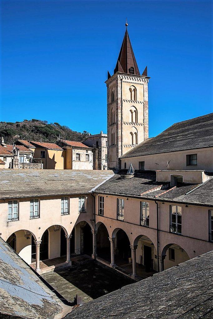 chiostro del complesso di Santa Caterina a  Finalborgo: