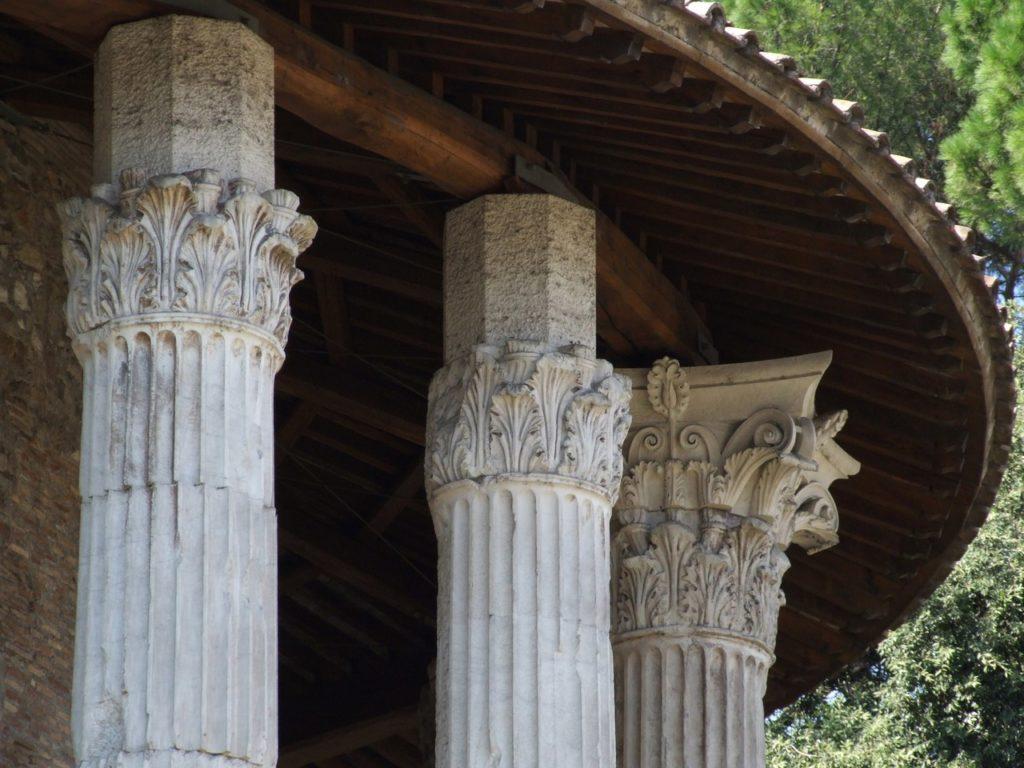 Tempio ercole Vincitore Capitelli