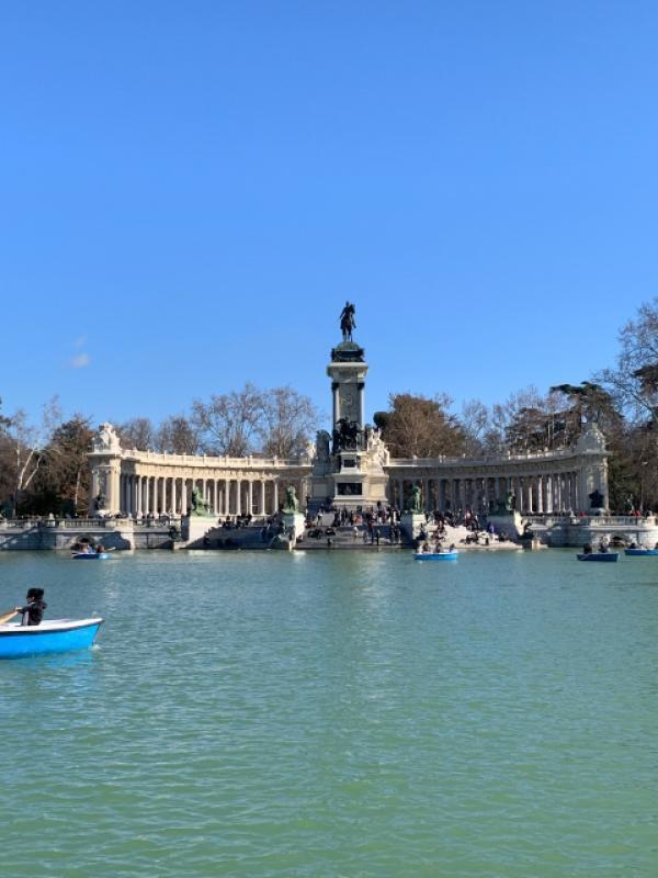 Monumento ad Alfonso XII Parco del Retiro Madrid